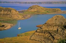 North Dakota lakes images Sailboat in a small cove near heaven bay north dakota pictures jpg