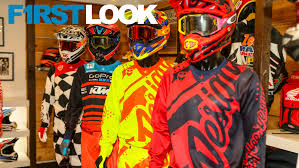troy lee motocross helmets first look 2018 troy lee designs gear and helmet line motocross