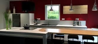 revetement mur cuisine quel revêtement pour réveiller les murs de votre cuisine le