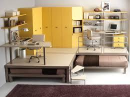 bureau surélevé amnager un coin bureau installer le bureau dans le duun meuble