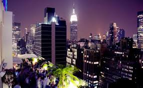 Roof Top Bars In Nyc Best New York City Hotel Rooftops Skyline Views Cocktails Pools