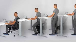 bureau ajustable assis ou debout au bureau les français veulent les deux