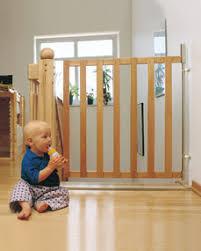 treppen kindersicherung kisi mit patentverriegelung nkr treppen system und