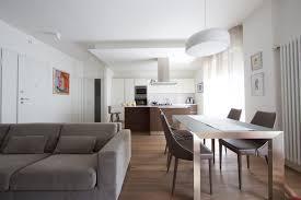 soggiorno e sala da pranzo dividere cucina e soggiorno le migliori idee di design per la