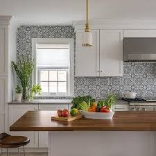 grey kitchen cabinets with white countertop grey kitchen cabinets white countertops design ideas