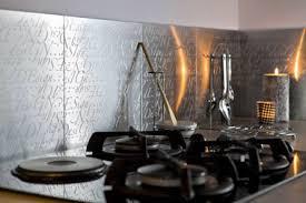 carrelage autocollant cuisine carrelage adhésif inox pour crédence cuisine métal décor carrelage