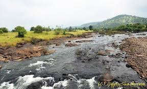 which is a best place to visit near mumbai at a distance of about