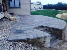 Raised Paver Patio Omaha Raised Paver Patio Retaining Wall 1