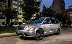 chrysler recalling 696 000 vehicles for faulty ignition switches