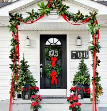 Pottery Barn Evergreen Walk Yes Karianne There Is A Pottery Barn Christmas Porch Pottery