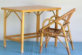 bureau en rotin bureau d u0027enfant ou petite table en rotin années 70 vintage