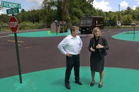 ups hours thanksgiving what u0027s new ups opens driver training center in west boylston