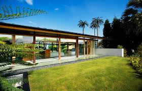 Pool Houses With Bathrooms Glass Walls Bedroom Bathroom Stunning Beachfront Home With