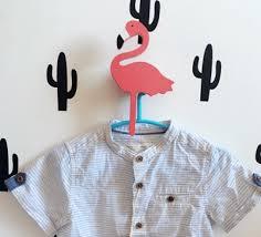 patère chambre bébé patère design flamant en bois peint à coller ou à fixer