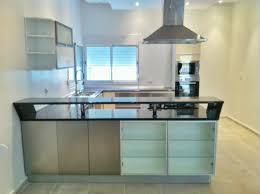 cuisine ultra moderne cuisine ultra moderne avec îlot central beige métal tlemcen cuisine