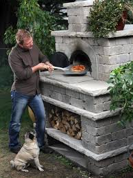Building A Backyard Pizza Oven by Best 25 Outdoor Brick Pizza Oven Ideas On Pinterest Brick Ovens