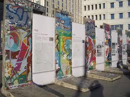 freedom and the berlin wall publish with glogster http 4 bp blogspot com 4kpwap3ixjs tgb 4qw upi
