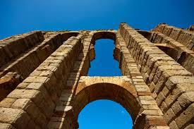 los milagros roman aqueduct