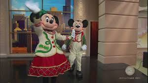 magnificent mile lights festival 2017 mickey and minnie help kick off the magnificent mile lights festival