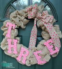 simple diy burlap wreath easily changeable for every season and