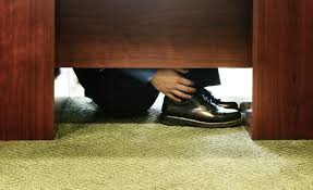 George Costanza Under Desk Tifu By Being To Shy To Tell The Lunch Guy I U0027m Not Muslim Tifu