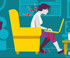 postura corretta scrivania come stare seduti correttamente utilizzando un laptop computer