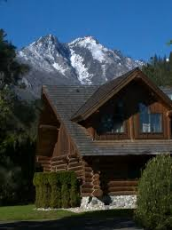 A Cool Log Home On Icicle Road Leavenworth Houses Pinterest