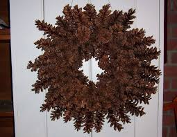 pinecone wreath how to make a beautiful pine cone wreath without gluing or