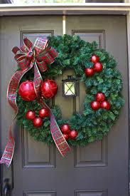 easy diy christmas wreath with lantern diy christmas wreaths