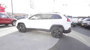 white jeep 2016 2016 jeep cherokee latitude bright white clearcoat gw121072