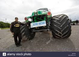monster truck grave digger videos monster jam world champion john seasock with u0027grave digger u0027 the