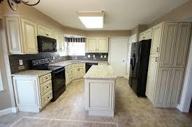 Heritage White Kitchen - Ohio kitchen cabinets