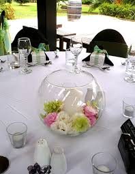 Vase Wedding Centerpiece Ideas by Best 25 Candle Vases Ideas On Pinterest Wedding Table