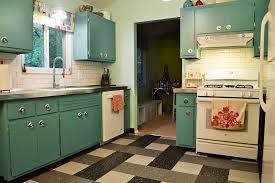 Transforming Kitchen Cabinets Can Annie Sloan Chalk Paint Transform These Kitchen Cabinets