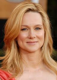 cheek bone length haircut the big c actress laura linney looks gorgeous with her soft blonde