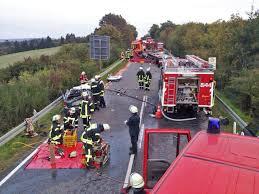 Jugendfeuerwehr Wiesbaden112 De Lebensgefährliche Verletzungen Nach Frontalzusammenstoß Mit Lkw