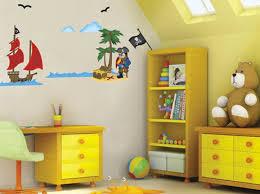 chambre de pirate sticker pirate et bateau de pirate dans une chambre d enfant