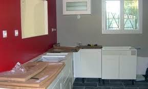 cuisine couleur bordeaux plan de travail cuisine meuble cuisine comptoir de