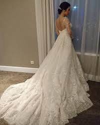wedding dress raisa foto pakai gaun bridal karya elie saab ini detail penilan
