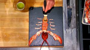 comment cuisiner un omar l extraction totale d un homard par gordon ramsay