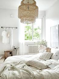 chambre beige blanc chambre beige et blanc la suspension en rotin le nouveau must design