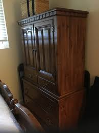 Queen Sized Bedroom Set I Have Link Taylor Colonial Pine Queen Size Bedroom Set Armoire