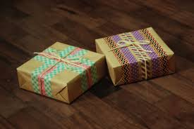 make your own wrapping paper the pink doormat make your own christmas wrapping paper
