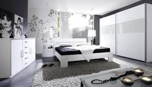 Schlafzimmer Ideen Flieder Uncategorized Ehrfürchtiges Schlafzimmer In Lila Ebenfalls