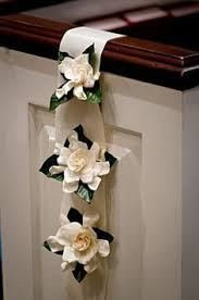 Pew Decorations For Weddings Pew Decorations Metal Studio Https Www Theknot Com