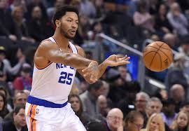 new york knicks re sign derrick rose and resign him to the bench
