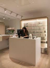 Small Salon Reception Desk Best 25 Salon Reception Desk Ideas On Pinterest Beauty Salon