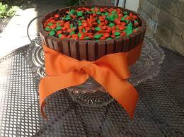kit kat halloween candy swirly sweet cupcakes easy halloween kit kat cake