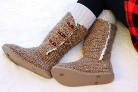 sweater boots ugg crochet sweater boots with flip flop soles free pattern