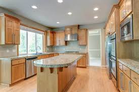 what color goes with oak cabinets what color granite goes with honey oak cabinets upgraded home